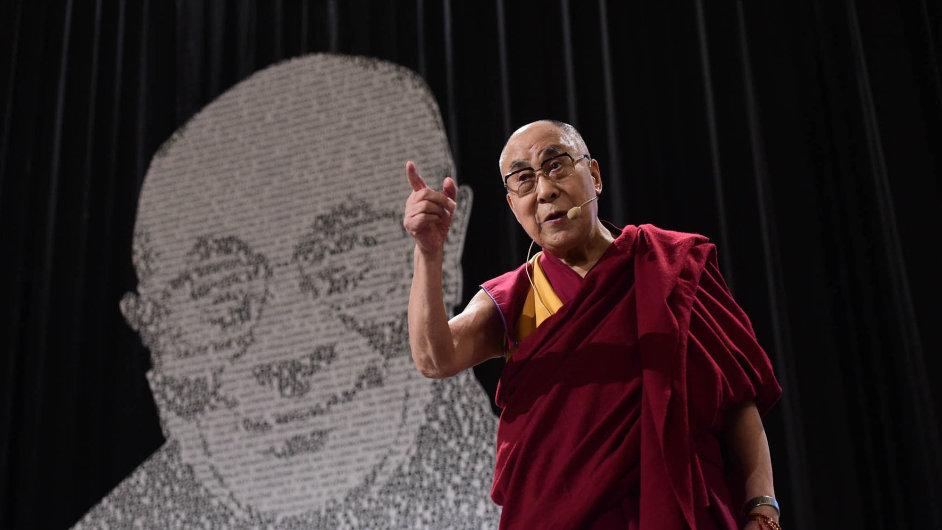 Dalajlama měl včera přednášku veVelkém sále pražské Lucerny.