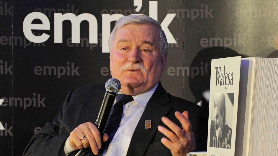 Časy, kdy v síti knihkupectví Empik křtily knihy hvězdy jako exprezident Lech Wałęsa v roce 2008 (na snímku) a Empik spoluudával tón polské kultury a showbyznysu, už minuly.