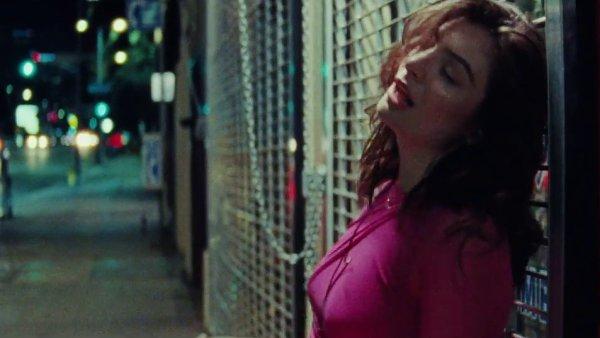 Snímek z videoklipu Lorde.