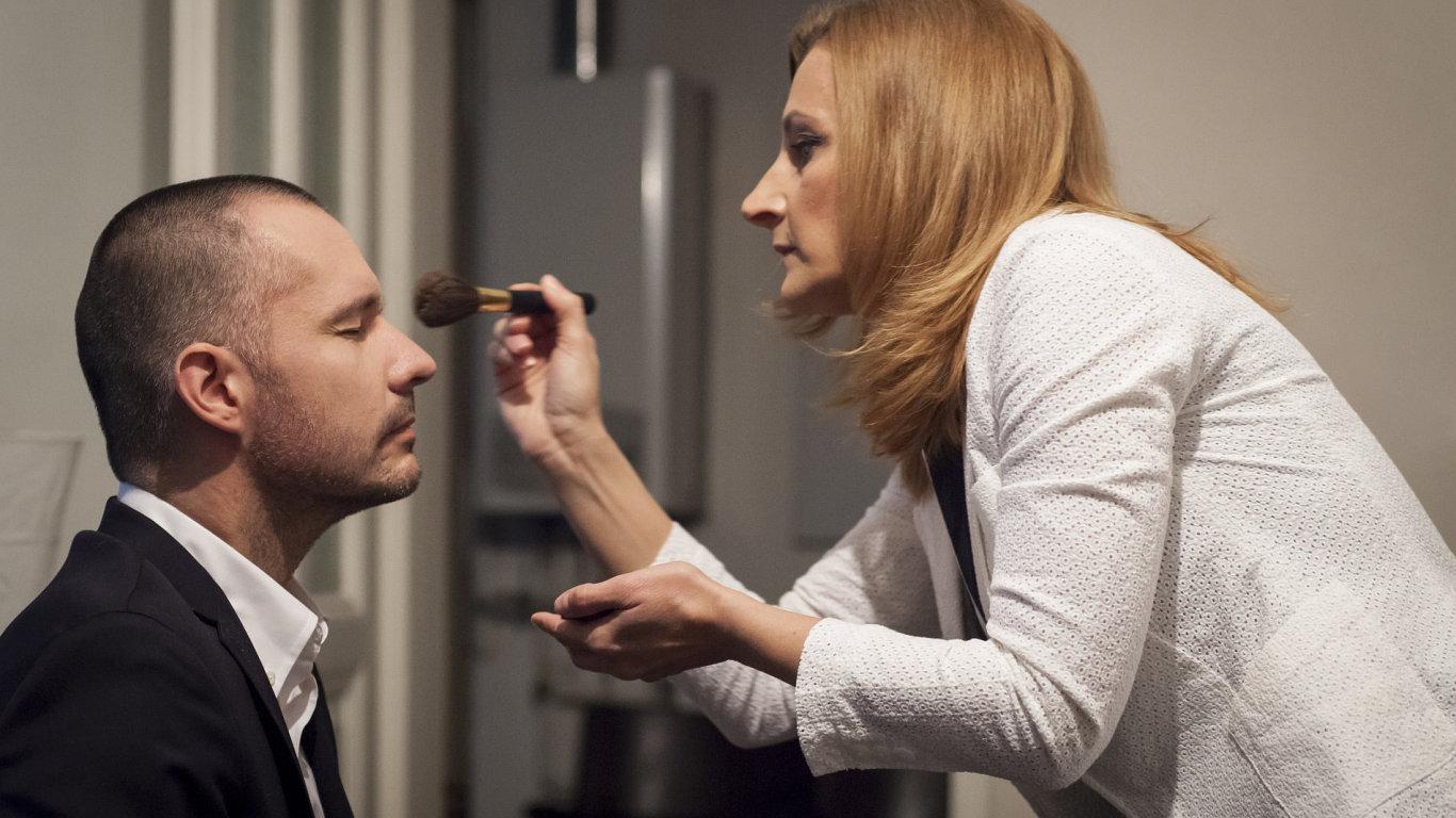 Tváře projektu DVtv - Martin Veselovský a Daniela Drtinová.