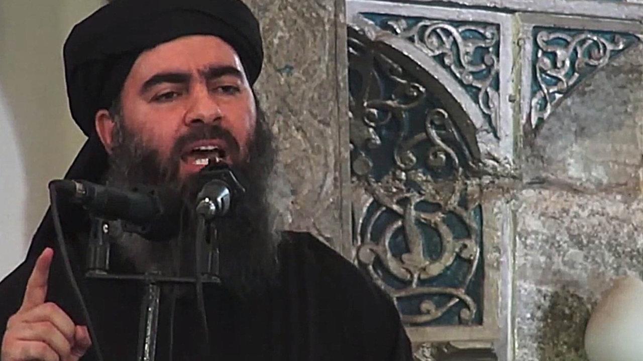 Abú Bakr Bagdádí během vyhlášení chalífátu v mešitě v Mosulu.