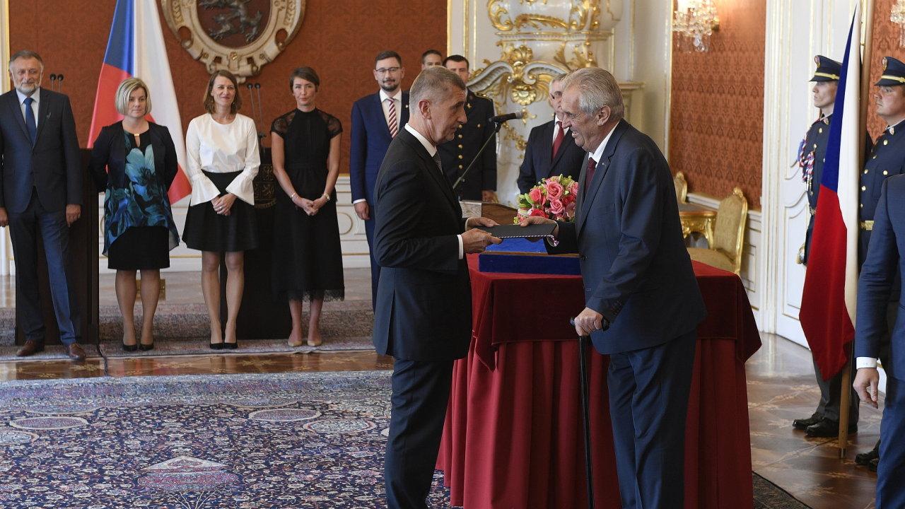 Zeman podruhé jmenoval Babiše premiérem.