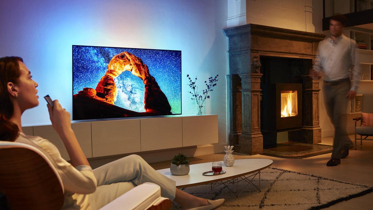 Nejlevnější OLED televize Philips má i třístranný Ambilight