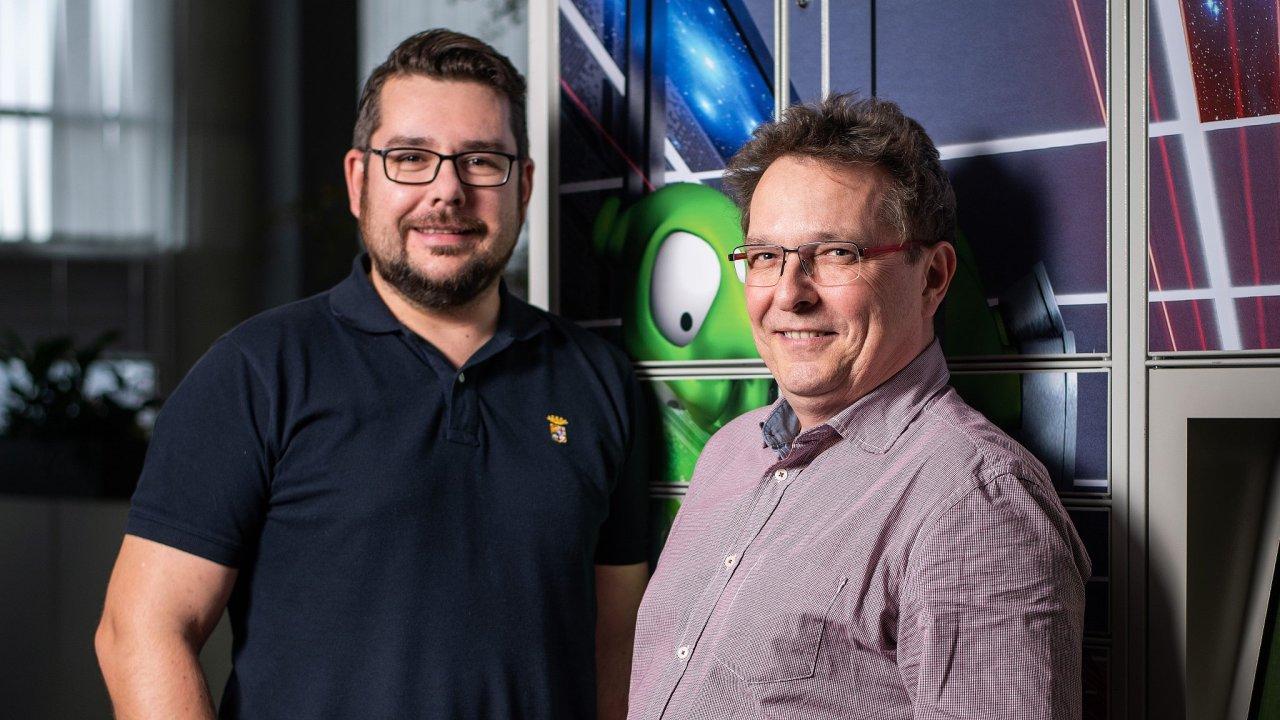 Noví šéfové logistiky e-shopu Alza - Lukáš Baudyš a Michal Ondomiši