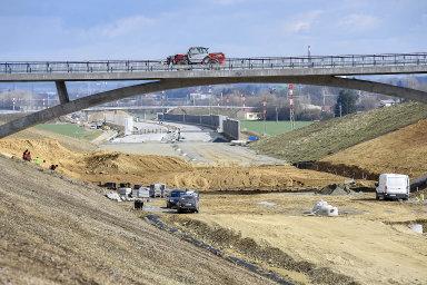 Krajský úřad Jihočeského kraje zamítl žádost Ředitelství silnic a dálnic (ŘSD) o vyvlastnění pozemků motocentra pro stavbu dálnice D3 u Tábora.