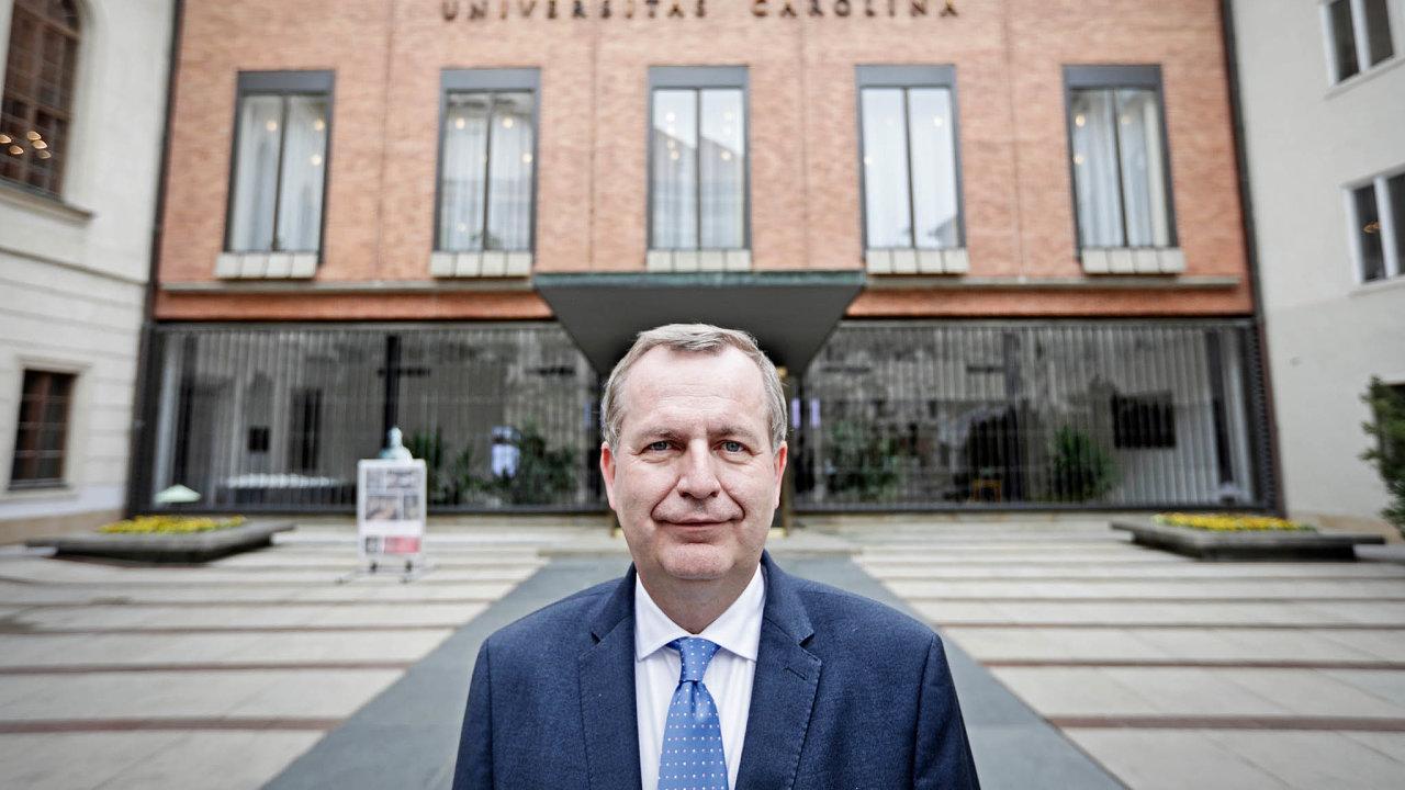 Přestože má Univerzita Karlova rozpočet přes 11miliard korun, další zdroje financování potřebuje ato samé platí iuostatních vysokých škol.