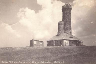 Dalimilova rozhledna bude kopií vyhlídkové věže, která dříve stála na vrcholu Králického Sněžníku.