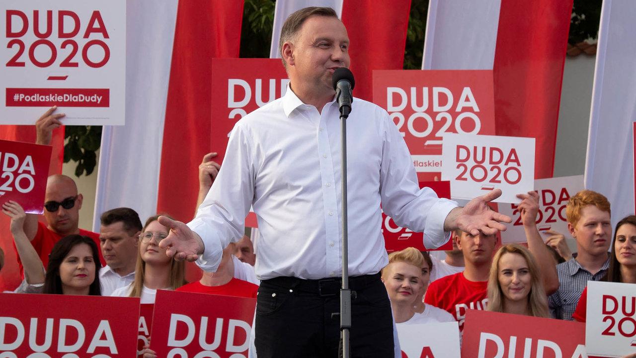 Obhájce. Dosavadní prezident Andrzej Duda vytáhne vesnaze oznovuzvolení americkou kartu.