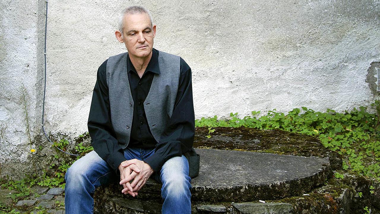 Hrdinové příběhů Jiřího Hájíčka postupně stárnou se svým autorem.