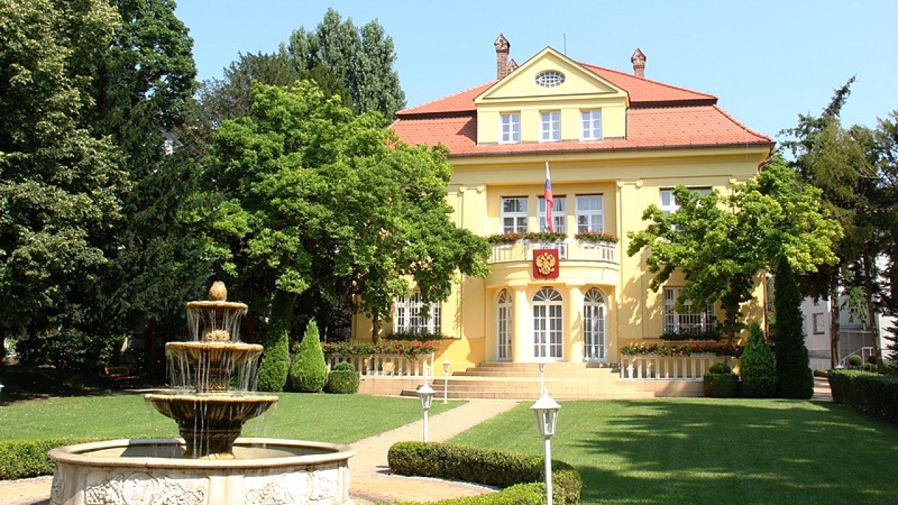 Ruská ambasáda v Bratislavě.
