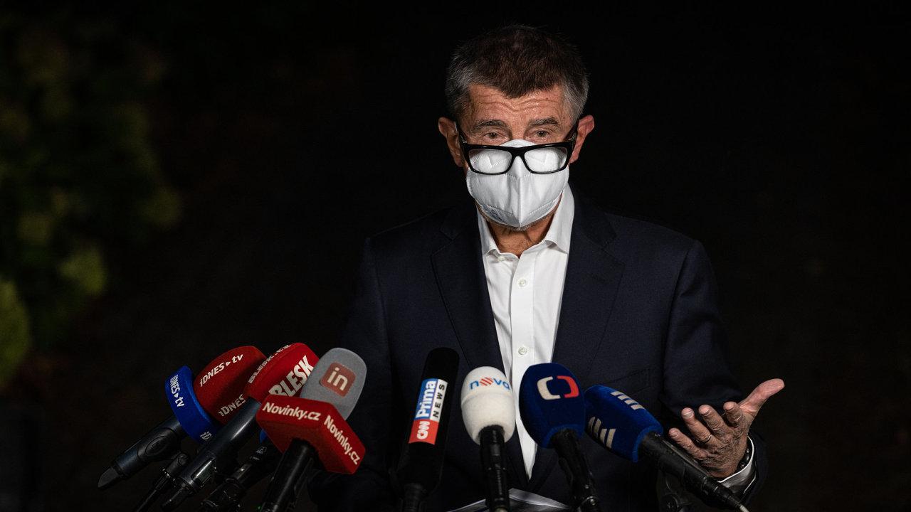 Andrej Babiš na tiskové konferenci.