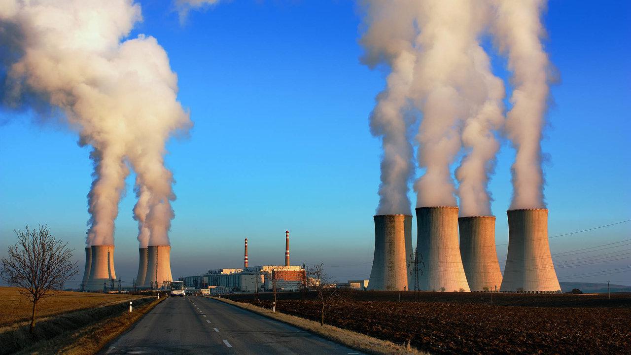 Odostavbu elektrárny vDukovanech se ucházejí ruský Rosatom, čínská CGN, americký Westinghouse, francouzská EDF ajihokorejská firma KHNP.