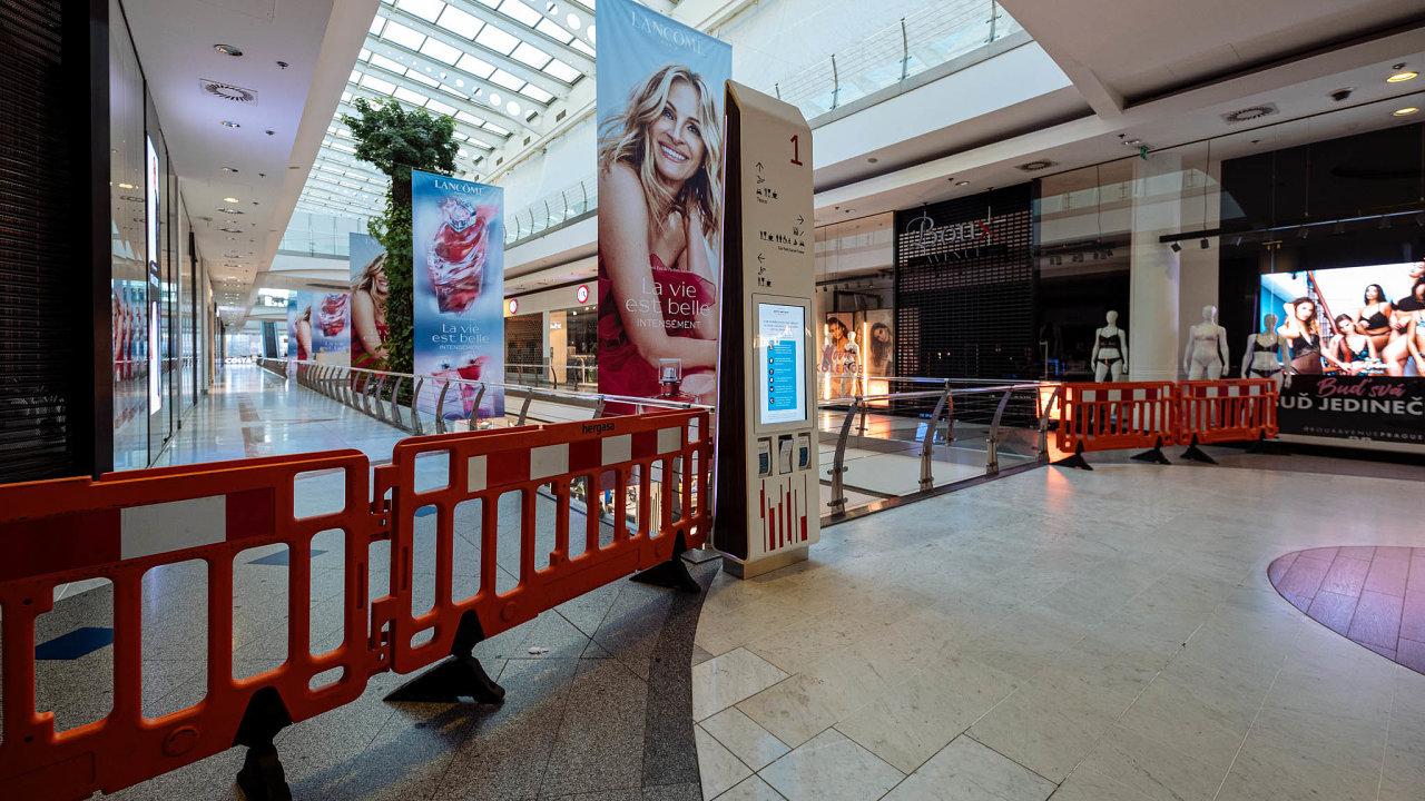 Otevření obchodů se blíží. A týkat se to má i nákupních center (ilustrační snímek).