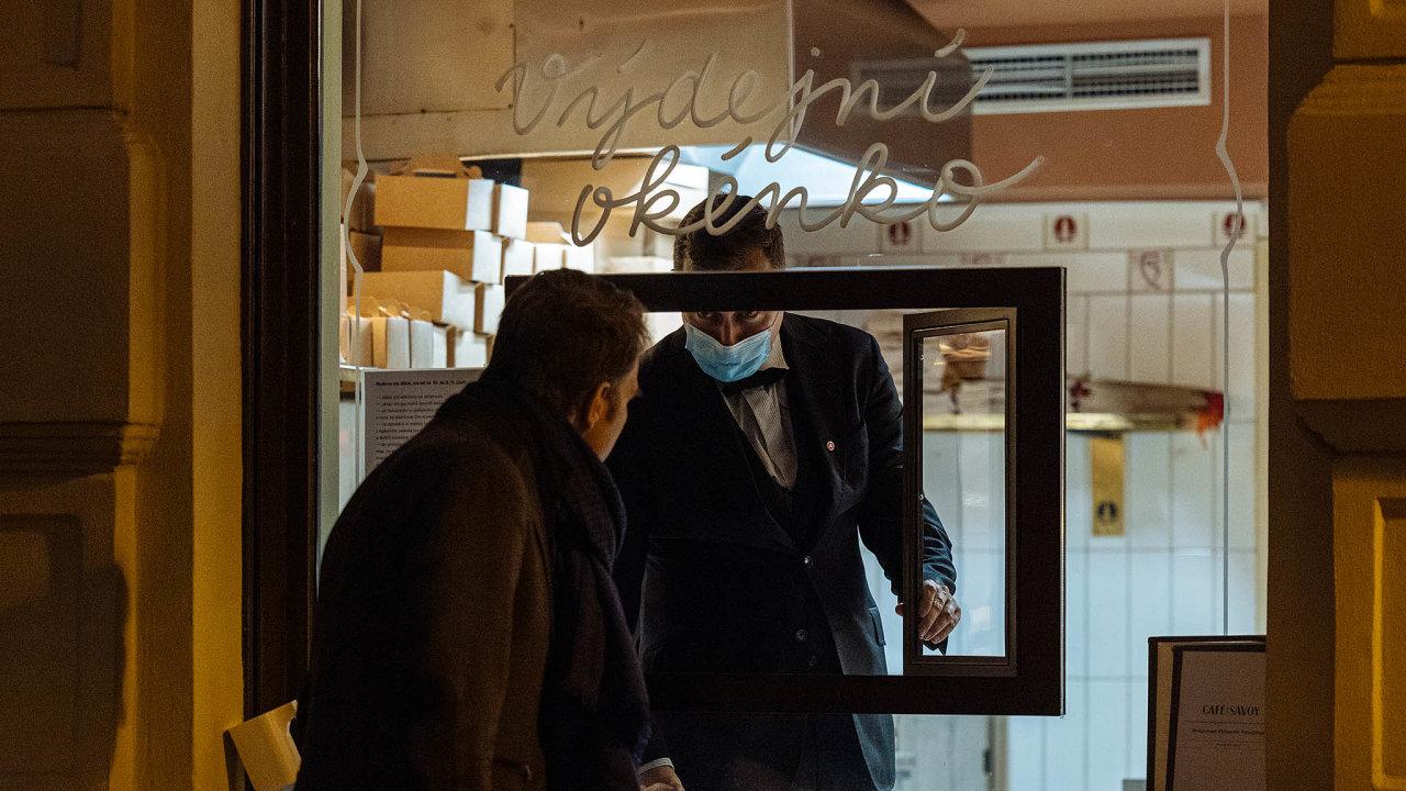 Pandemický zákon má umožnit podnikatelům žádat postátu odškodnění zaomezení ivpřípadě, že skončí nouzový stav.