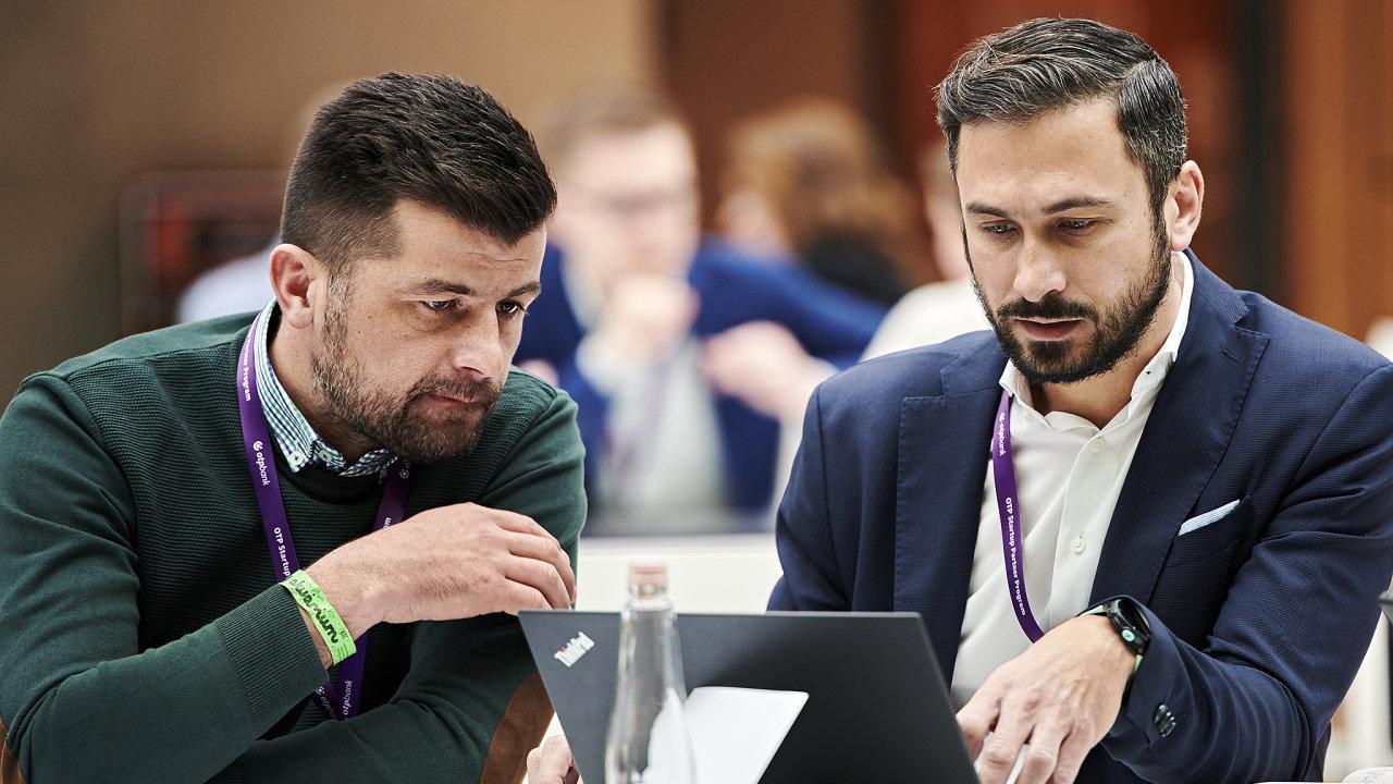 Marko Gudelj (vlevo) a Darko Jovišić, zakladatelé chorvatského start-upu Robotiq.ai