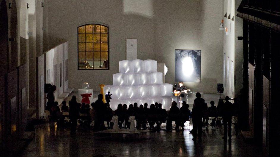 Vloni v říjnu proběhla ve Wannieck Gallery akce Já jsem tvůj zajíc, kterou uspořádal výtvarník Petr Nikl.