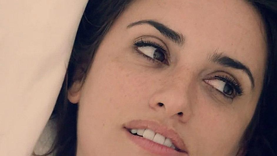 Penélope Cruzová ve filmu Konzultant