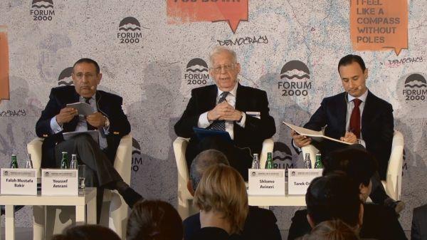Izraelský politolog Šlomo Avineri zahajuje panel o blízkém východu