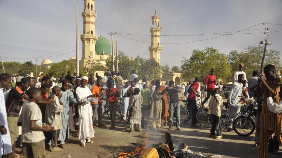 Teroristé zaútočili na mešitu, ve které před týdnem emír před radikální skupinou Boko Haram varoval.