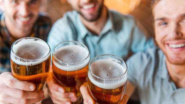 První příčku si ČR vysloužila také tím, že má největší spotřebu piva na hlavu na světě.