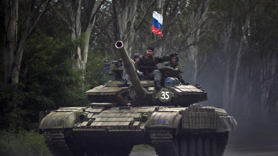 Na východě Ukrajiny se opět bojuje.
