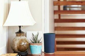 Google představil vlastní router, k síti vás připojí modrý válec OnHub