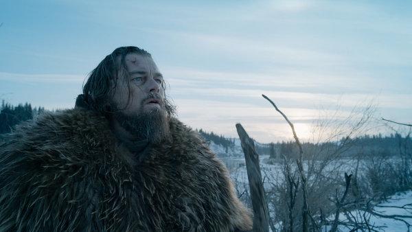 Leonardo DiCaprio na sn�mku z filmu Revenant Zmrtv�chvst�n�.