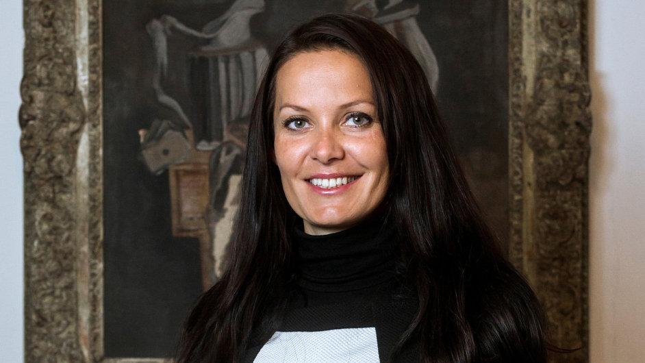 Lenka Jurošková pracuje jako náměstkyně ministra financí devět měsíců. Motivuje ji práce a tým kolem ní, peníze jsou prý až na dalším místě.