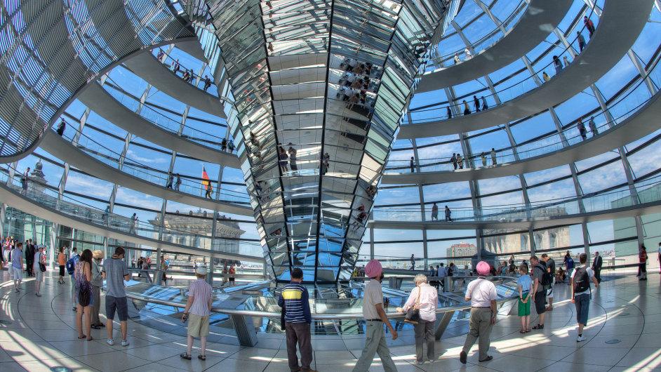 Bundestag - nová kupole parlamentní budovy
