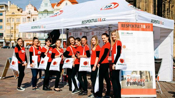 Kampaň Plzeňského Prazdroje má informovat prodejce alkoholu i veřejnost, aby netolerovaly prodej alkoholu nezletilým. Součástí je i Den Respektuj 18, který se letos konal 29. června