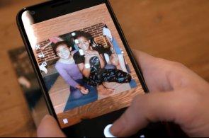 Google chce zachránit vaše staré papírové fotky, stačí k tomu aplikace, telefon a světlo