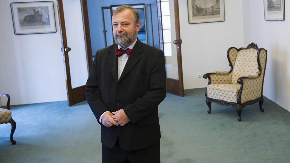 Hynek Kmoníček se má stát naším budoucím velvyslancem vUSA.