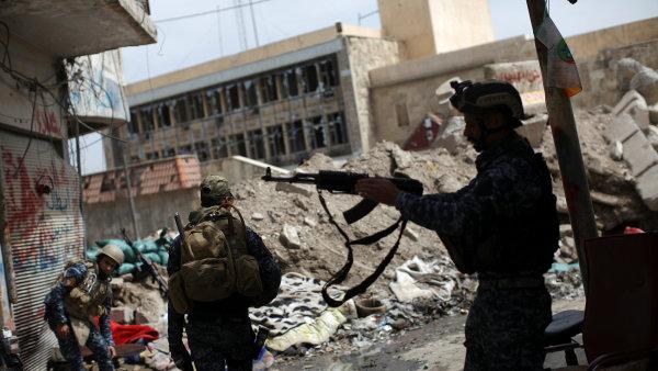 Irácké jednotky osvobozují Mosul od Islámského státu.