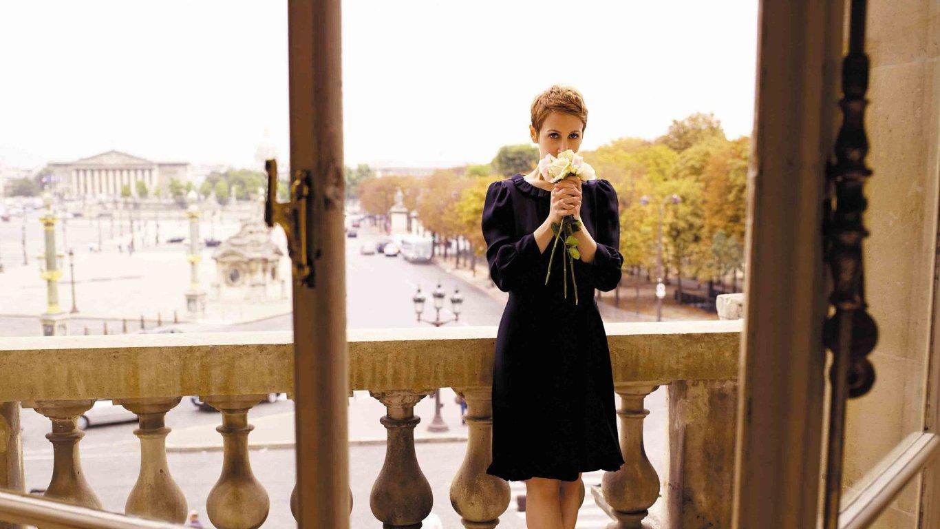 Stacey Kentová debutovala roku 1997, velký úspěch zažila deset let nato s albem Breakfast on the Morning Tram.
