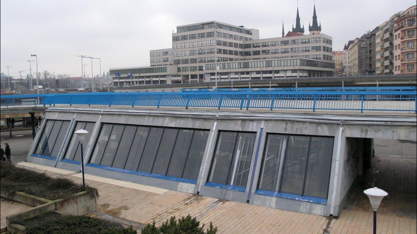 Na snímku je pohled na vestibul stanice Vltavská na lince pražského metra C.