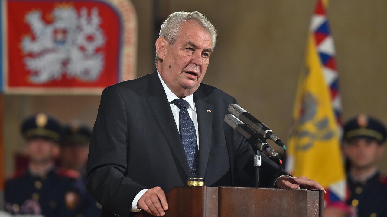 Prezident Miloš Zeman při udílení státních vyznamenání