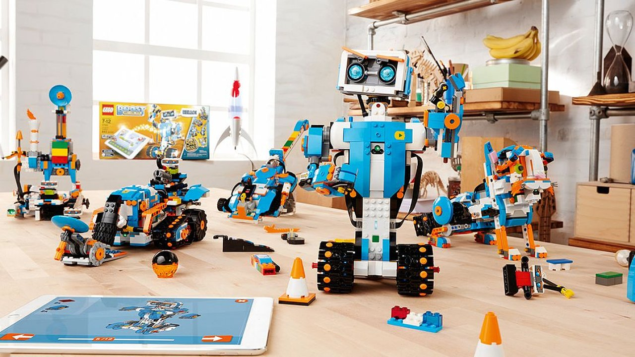 Hitem Vánoc se stalo Lego Boost.