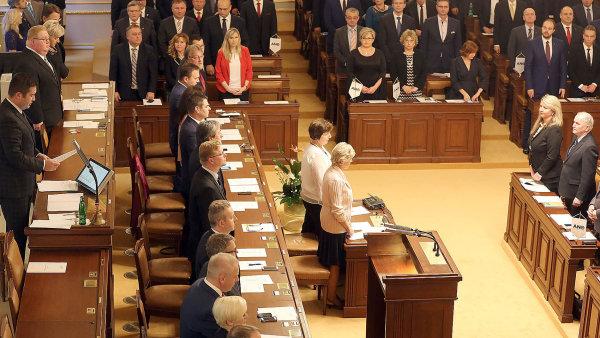 Novelu zákona o zrušení někdejšího Fondu národního majetku, která má umožnit využívat peníze z fondu ve státním rozpočtu, a to bez určení konkrétního účelu, dnes schválila sněmovna.