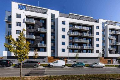 Chystaná novela zákona má usnadnit koupi bytu či domu pro mladé lidi do 36 let, naopak by mohla získání vyšší hypotéky ztížit pro starší.