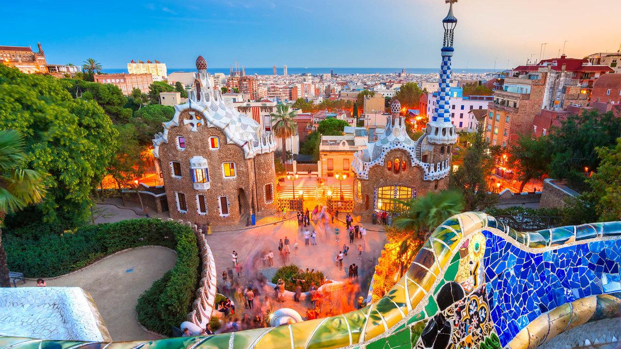 Barcelona patří k významným k turistickým magnetům Středomoří.