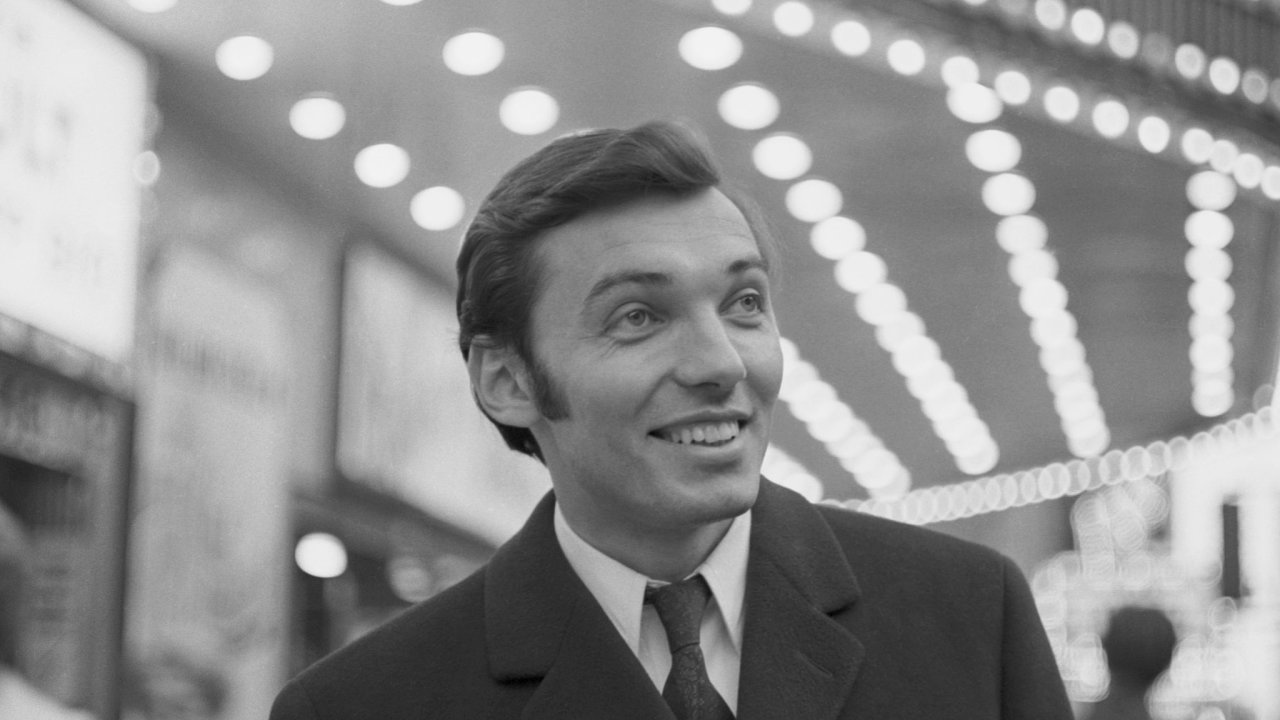 Karel Gott v dubnu 1967 při procházce kanadským Montrealem.