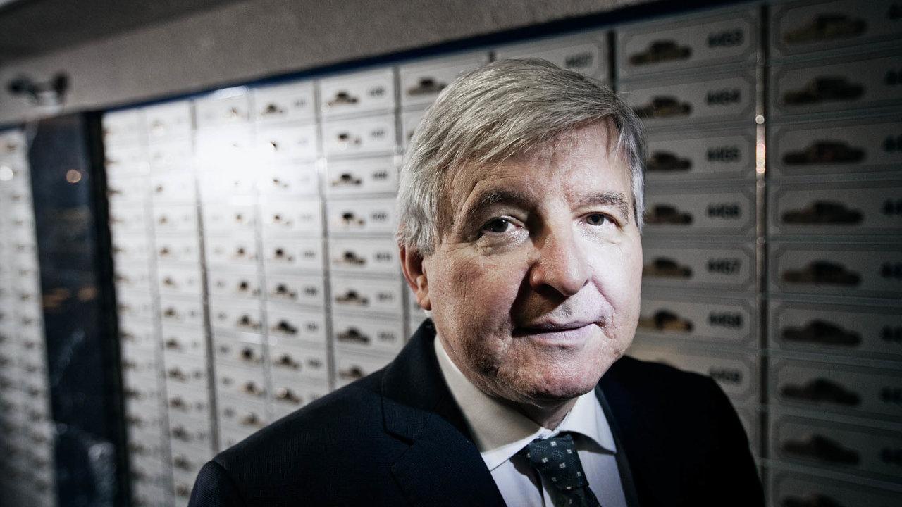 Guvernér ČNB Jiří Rusnok chce dát regulaci hypoték dozákona. Chce tím dobudoucna ochránit bankovní sektor.