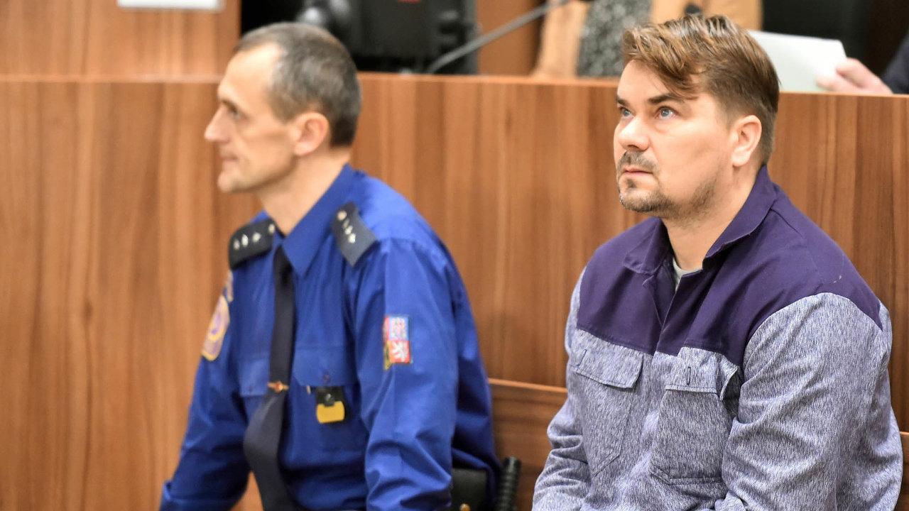Prosazování zájmů: Špatnou pověst lobbingu vČesku dělají kauzy, jako je podvod při nákupu armádní techniky, zanějž šel dovězení podnikatel Marek Dalík (vpravo).