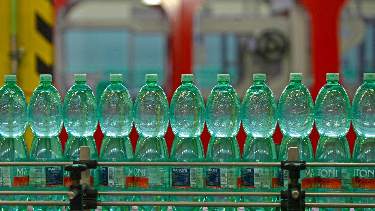 Zálohované plastové lahve. Jako první unás spustila zkušební systém záloh společnost Mattoni.