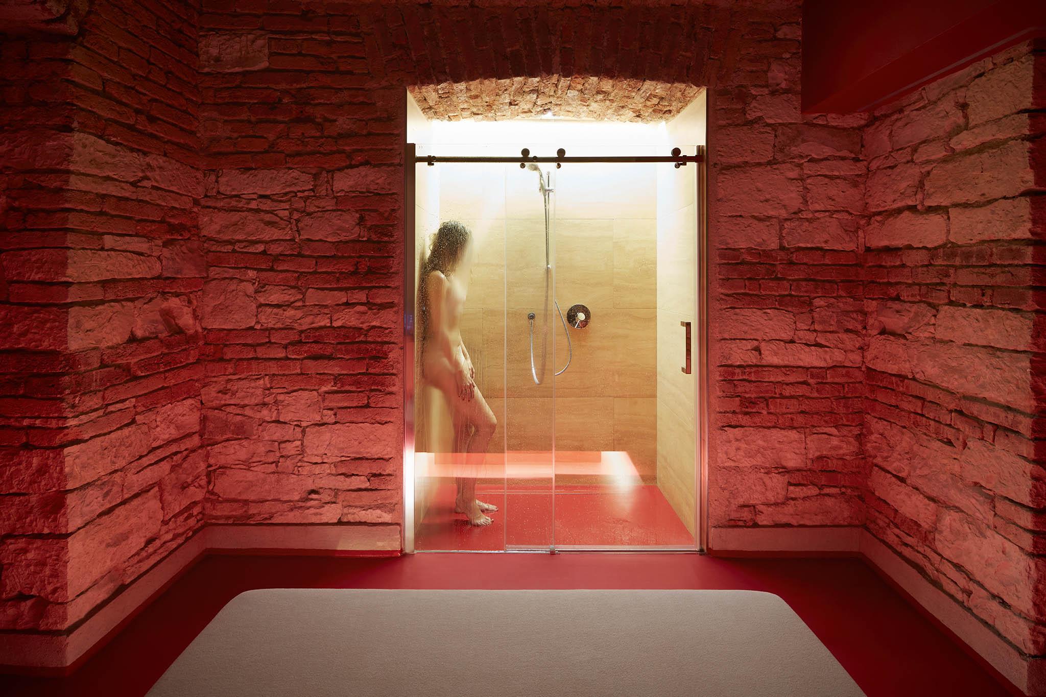 Lenka Míková: Hodinový hotel Relax Underground