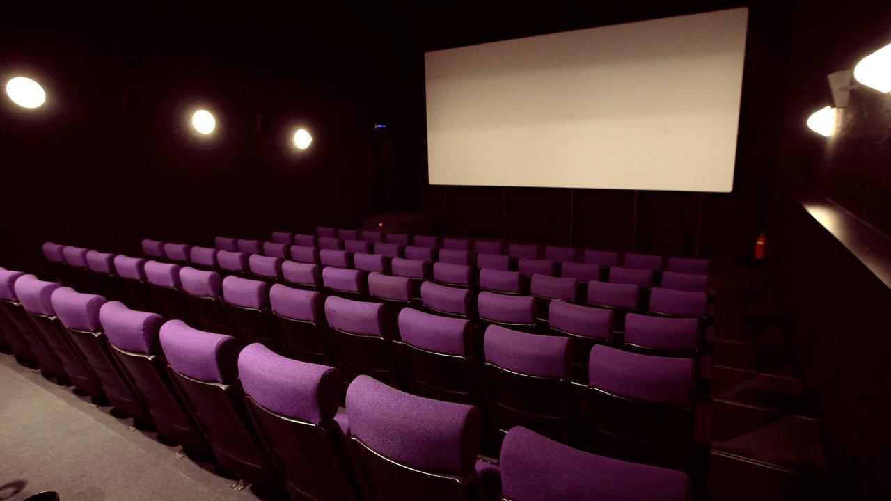 Distributoři vložili peníze douvedení filmů, jejichž premiéry musely být zrušeny.