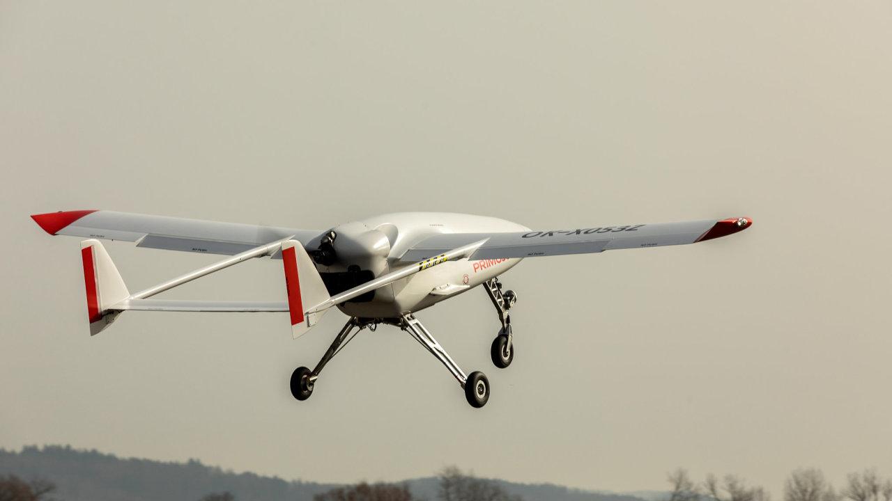 Bezpilotní letoun Primoco  loni v dubnu vydržel ve vzduchu 15 hodin a uletěl 1650 kilometrů. Jde o rekord mezi drony v kategorii do 150 kilogramů, kde se Primoco pohybuje.