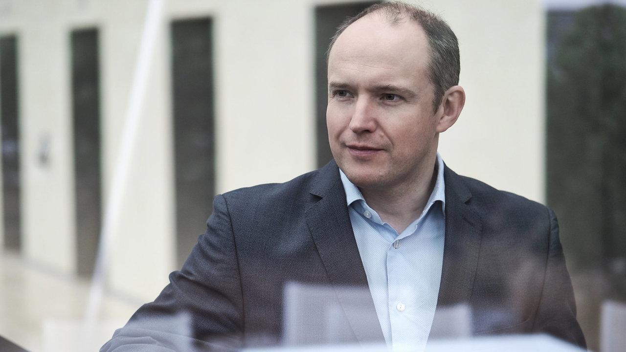 Generální ředitel ABB v Česku Vítězslav Lukáš