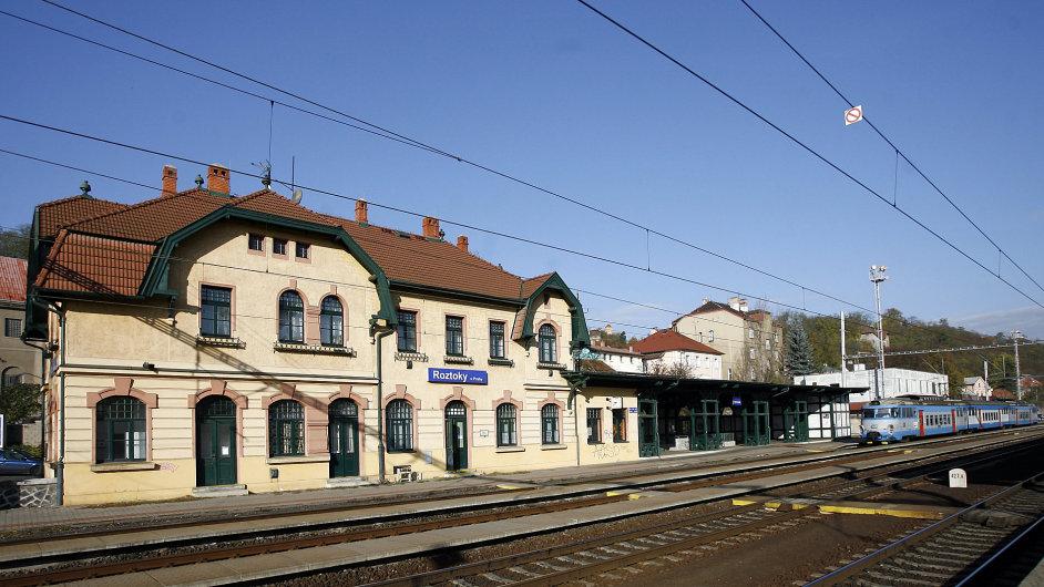 Železniční stanice Roztoky u Prahy