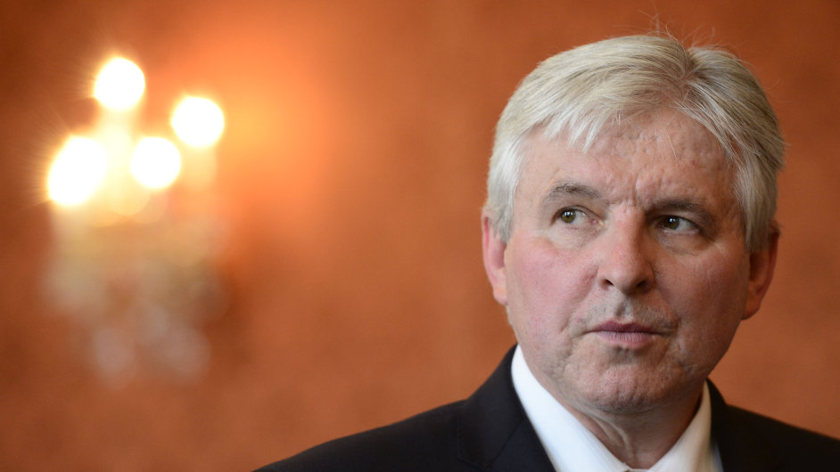 Rusnokův kabinet žádá poslance o důvěru